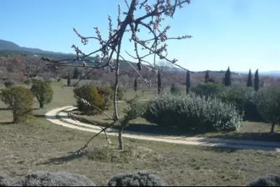 Location saisonni�re � Cucuron - Propri�t� dans un cadre de r�ve !
