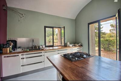 Superbe maison en pierre � vendre � Lauris - Sud Luberon