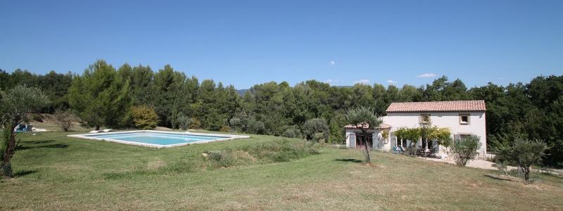 Location saisonnière à Cadenet - Villa contemporaine avec piscine