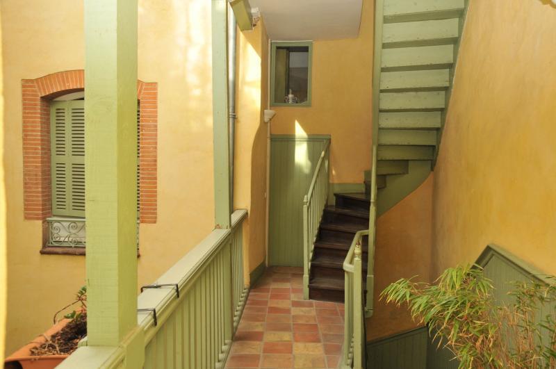 BOURSE : T3 de 74 m² dans très bel immeuble bourgeois TOULOUSE