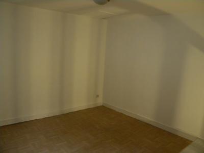 SAINT OMER, proche centre appartement 2 chambres RDC