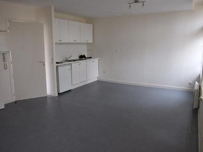 SAINT OMER proche gare, appartement spacieux en 1 chambre avec parking