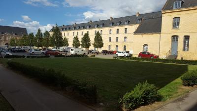 appartement 2 chs de standing en résidence avec place parking à SAINT-OMER