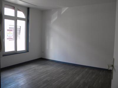 Proche centre, appartement RDC 1 chambre avec place de parking