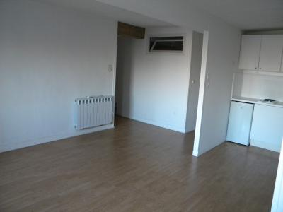 Plein centre ville, appartement 1 chambre + bureau
