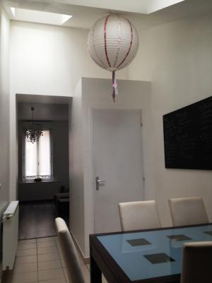 Maison de charme rénovée, meublée en triplex à St Omer 2 chambres,proche centre ville