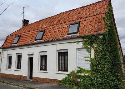 A proximité de Wizernes, Maison de village semi plain pied avec grand terrain