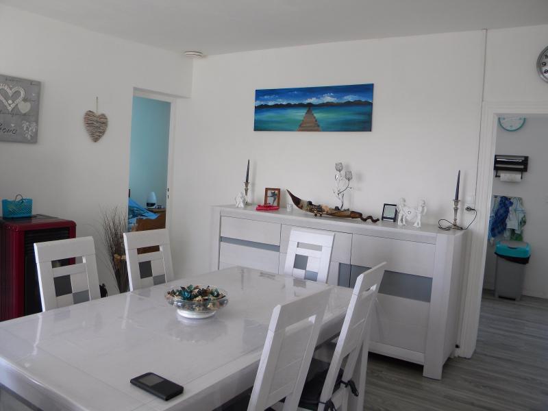 Setques, maison 2 chambres entièrement rénovée