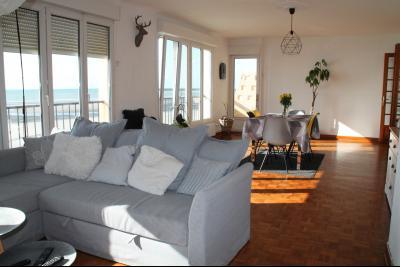 Face mer bel appartement de 102 m2 avec garage double sans travaux