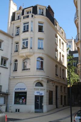 Immeuble bourgeois à usage de commerce et d'habitation BOULOGNE SUR MER