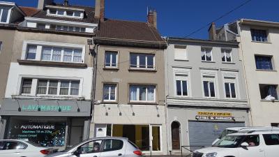 Immeuble mixte local commercial et 2 appartements