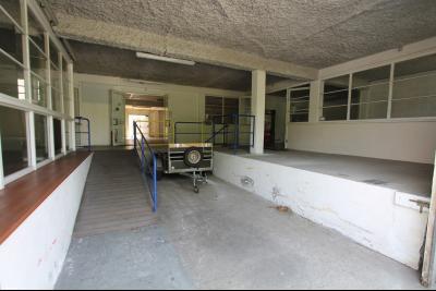 local commercial de 550 m2 avec 500 m2 de cour BOULOGNE SUR MER