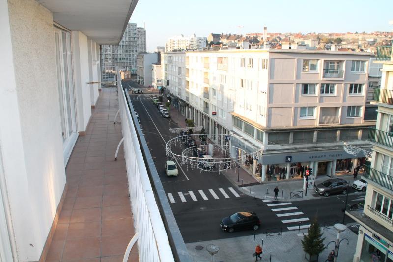 Boulogne/Mer hyper centre ville appartement en résidence avec ascenseur, balcon, 1 chambre, Parking