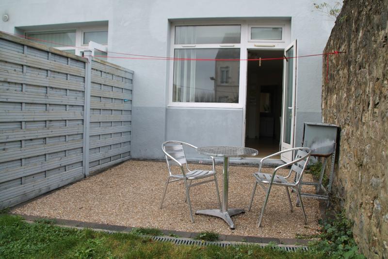Location boulogne sur mer studio meubl 23 m2 avec terrasse et wifi immobili re de france - Garde meuble boulogne sur mer ...