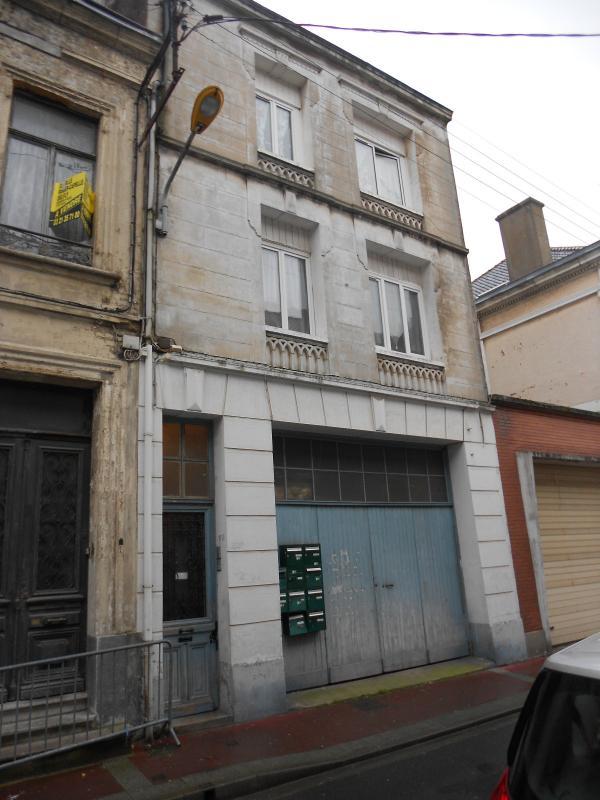 Calais centre immeubles 9 studios immobili re de france for Max garage calais