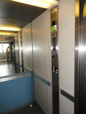 TALENCE au 2 sur 2 ascenseur -studio 21,80m2+ Balcon 3,71m2 proche Commerces, Boulevard, bus, tram