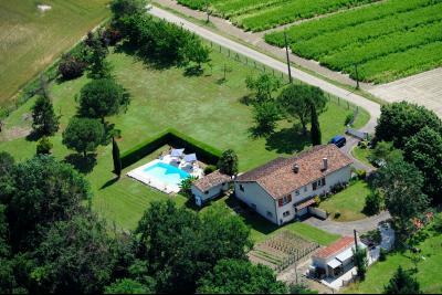 Maison de campagne de plain pied sur 5000 m� de terrain clos, Agence Immobilière UnChezVous, dans les départements de l'Ariège et de l'Aude