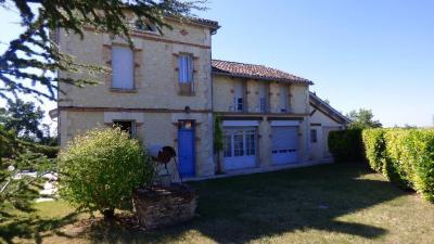 Proche village gersois Propriete d'agrement, Agence Immobilière AMP, dans le département du Lot et Garonne (Agen)