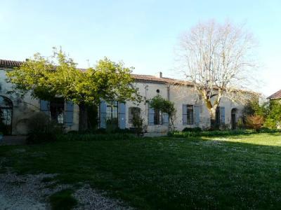 Domaine seigneurial du XVI �me si�cle, Agence Immobilière UnChezVous, dans les départements de l'Ariège et de l'Aude