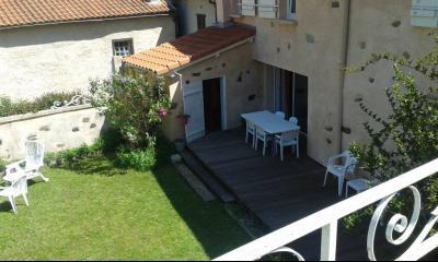 Hautes-Pyrenees Maison restauree et meublee