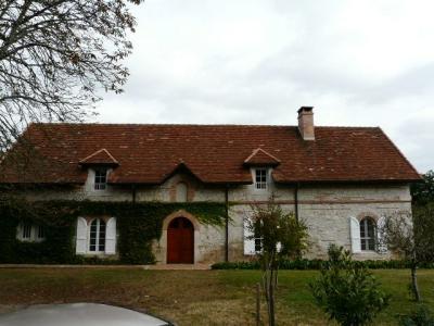 Ancienne b�tisse en pierre, Agence Immobilière AMP dans le département du Lot et Garonne (Agen)