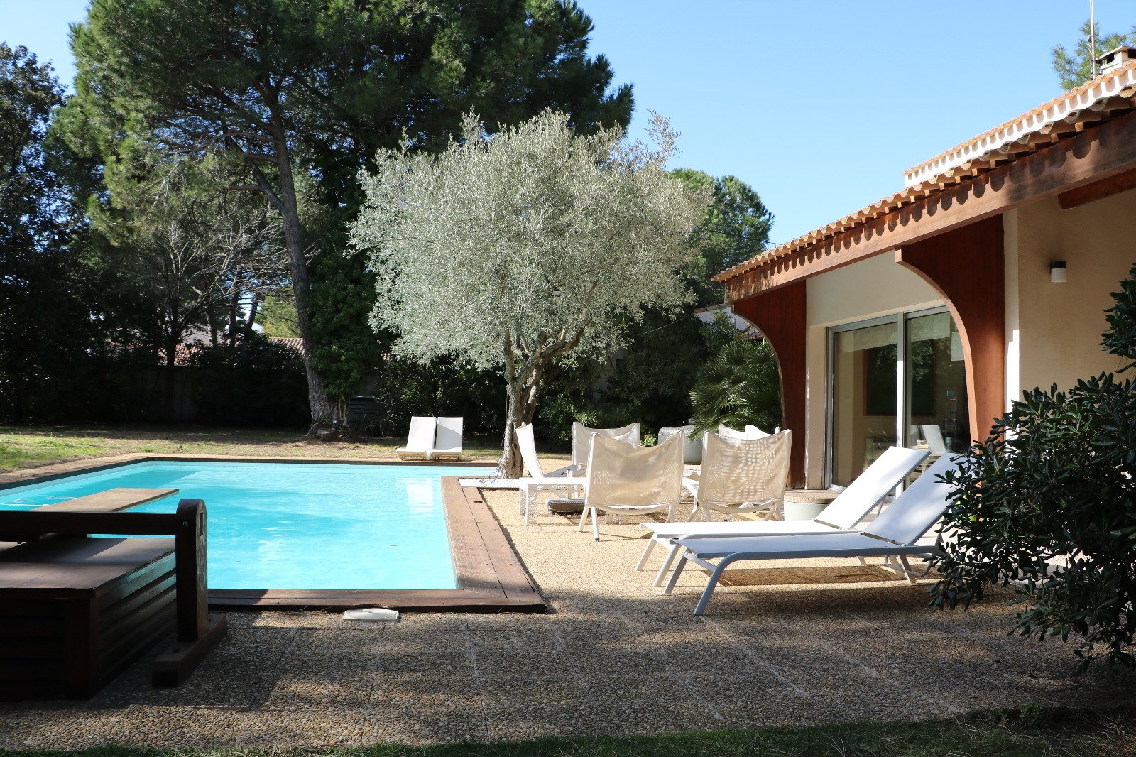 magnifique villa d 39 architecte paul caumette immobilier sud de la france. Black Bedroom Furniture Sets. Home Design Ideas