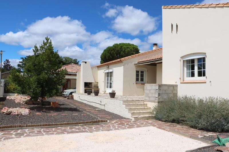 Maison de plain-pied avec jardin à Montblanc MONTBLANC