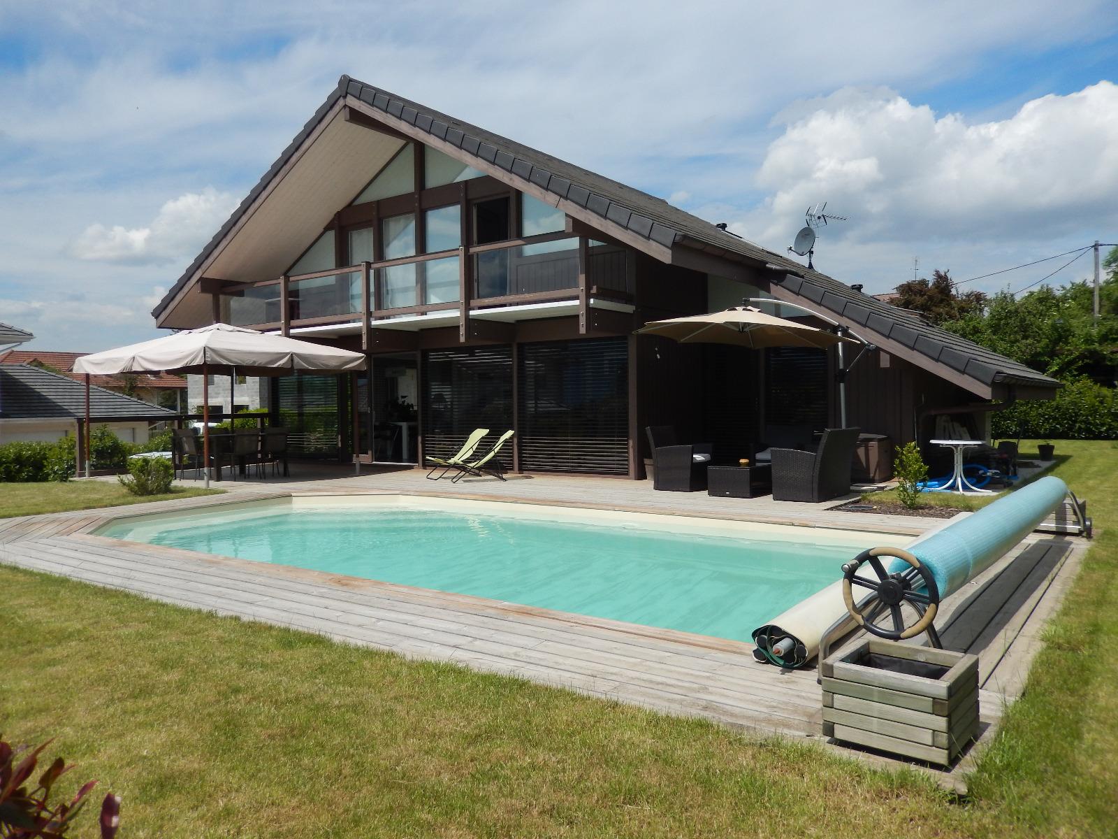 Vente maison avec piscine contamine sur arve sur 810m for Vente tuyau piscine