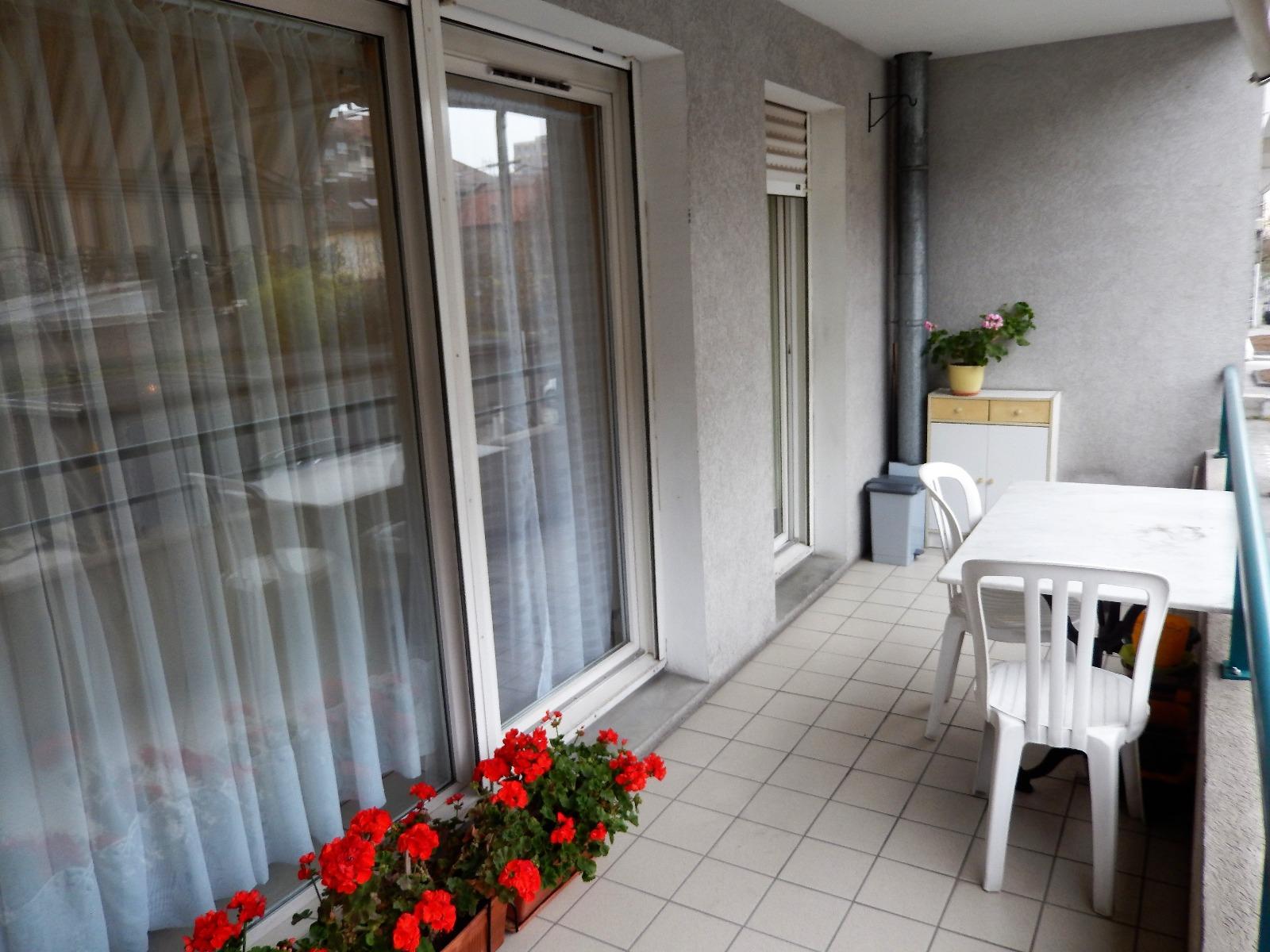 t3 vendre au centre ville d 39 annemasse avec balcon et garage double mab immobilier. Black Bedroom Furniture Sets. Home Design Ideas