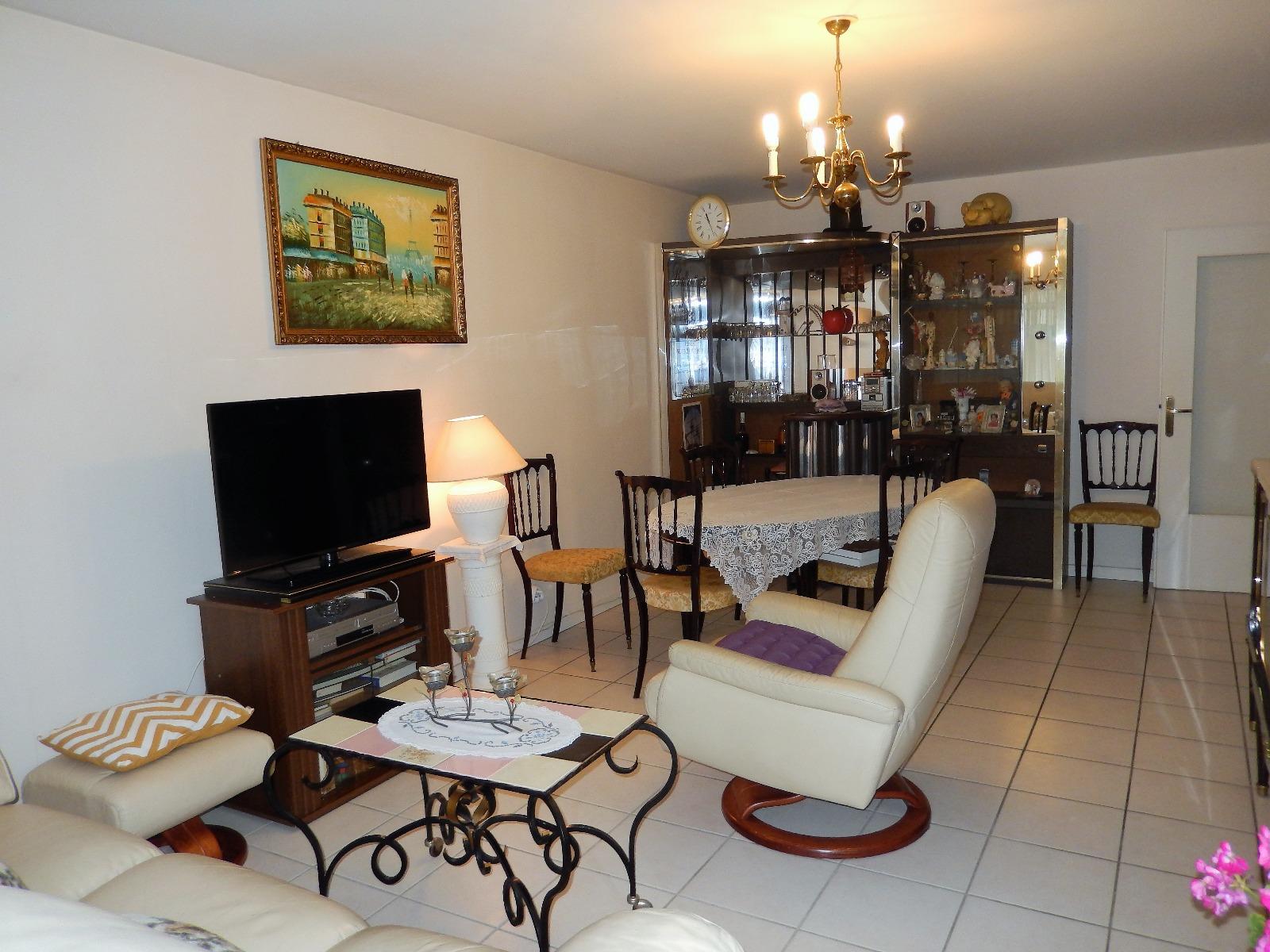 T3 vendre annemasse centre ville avec balcon et garage for Achat maison annemasse