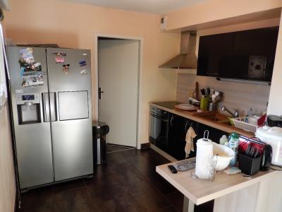 Vue: Appartement T3 Bonneville Cuisine, Appartement T3 au dernier étage avec terrasse à vendre à Bonneville