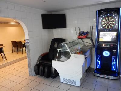 Vue: Arcade commerciale snack Annemasse, Local commercial à vendre à Annemasse