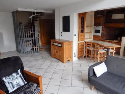 Vue: Appartement T4 Vétraz Monthoux Salon Cuisine Hall d