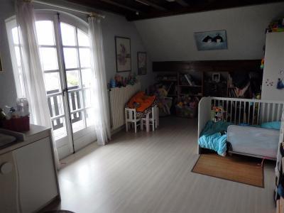 Vue: Maison Reignier Esery Chambre, Maison de maître individuelle à vendre au centre d