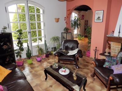 Vue: Maison Reignier Esery Salon, Maison à vendre au centre du village d