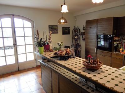 Vue: Maison Reignier Esery Cuisine, Maison de maître individuelle à vendre au centre d