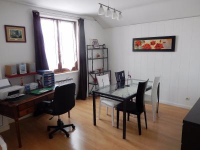 Vue: Appartement T3Bis Annemasse Salle à Manger, Appartement de Type 3 Bis avec terrasse et jardin à vendre dans une maison à Annemasse