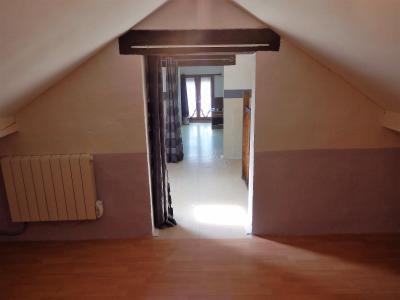 Vue: Appartement T3Bis Annemasse Combles aménagés, Appartement de Type 3 Bis avec terrasse et jardin à vendre dans une maison à Annemasse