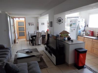 Vue: Appartement T3 Lucinges Salon Salle à Manger Cuisine, Appartement T3 à vendre avec Terrasse et Jardin à Lucinges