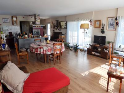 Vue: Maison Cranves Sales Chambre, Villa récente de plain pied avec sous sol à vendre à Cranves Sales