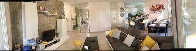 Vue: Appartement T4 Annemasse Salon Cuisine, T4 rez de jardin avec 2 terrasses et jardin privatif au label BBC à vendre à Annemasse