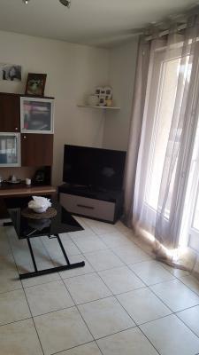 Vue: Appartement Ville La Grand T1 Bis Salon, T1 bis avec chambre séparée à vendre à Ville La Grand