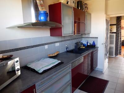 Vue: Appartement T3 Annemasse cuisine, Grand T3 de 82m2 à vendre à Annemasse