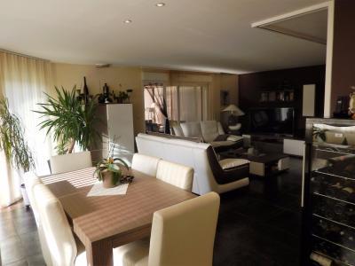 Vue: Villa Cranves Sales Salle à manger Salon, Villa individuelle de plain pied à vendre à Cranves Sales