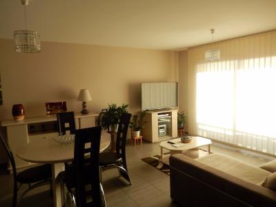 Vue: Appartement T3 Vétraz Monthoux Séjour, Appartement de 95m2 à vendre à Vétraz Monthoux