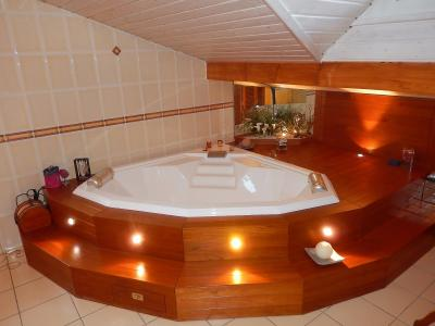 Vue: Appartement Maison Reignier Esery Salle de bains, Appartement Maison à vendre à Esery