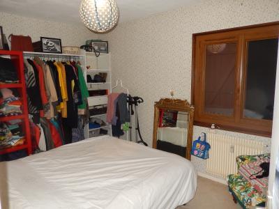 Vue: Appartement T3 Juvigny Chambre, T3 au dernier étage à vendre dans une ferme à Juvigny