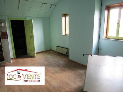 Vue: Chambre 3 , Vente RICHEMONT, a r�nover belle b�tisse de style 107 m�
