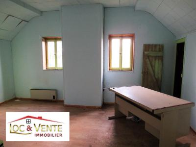 Vue: Chambre 3 de 16,24m², Vente RICHEMONT, a r�nover belle b�tisse de style 107 m�