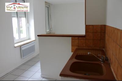 Vue: Séjour ouvert sur cuisine, Appartement F3 de 57m� - Parking + Cave (Malancourt)